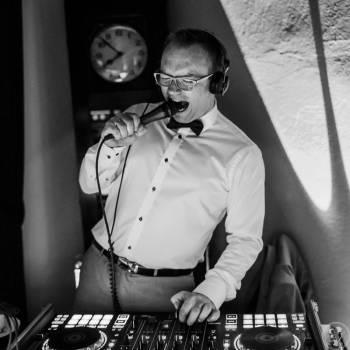 DJ Michał Juszczak - Jeden człowiek, milion pomysłów, DJ na wesele Tarczyn