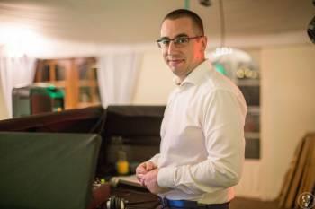 DJ Siminiak - DJ&Wodzirej; / Indywidualne podejście do każdego wesela!, DJ na wesele Rychwał