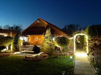 Rancho Aksamitka, Sale weselne Węgrów