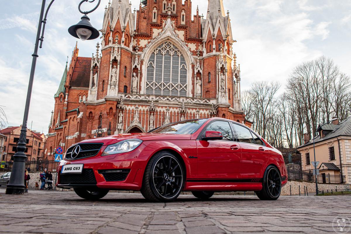 Czerwony Mercedesem AMG C 63 v8, Kraków - zdjęcie 1