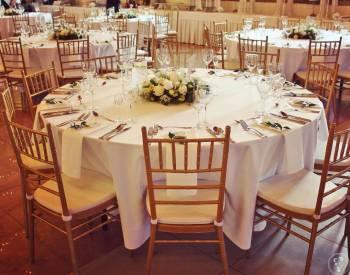 Wypożyczalnia krzeseł, namiotów i mebli na ślub w plenerze, Wypożyczalnia namiotów Wojcieszów