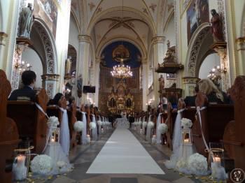 Dekoracje kościołów i sal / Bukiety / AUDI S4 / Napis MIŁOŚĆ/ Ścianki, Kwiaciarnia, bukiety ślubne Gliwice