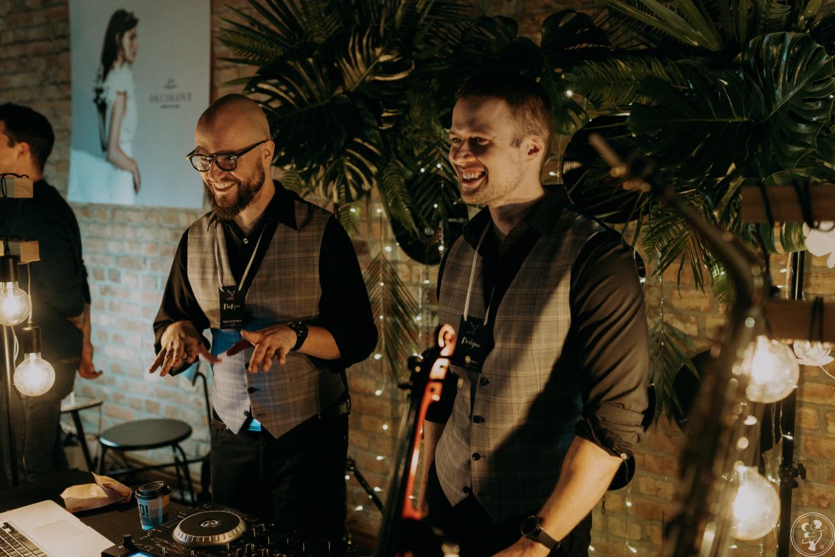 DOSTOJNI - DJ + Live Act (saksofon, trąbka, skrzypce na żywo), Poznań - zdjęcie 1