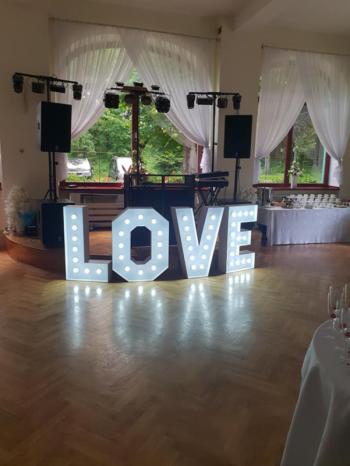 Firma SMILE oferuje wynajem napisu świetlnego LOVE 100cm. Zapraszamy !, Napis Love Olszyna