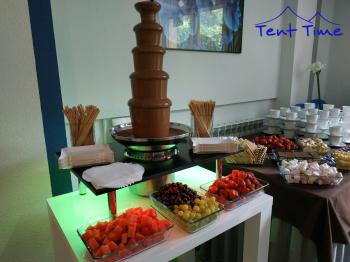 fontanna czekoladowa czekolady wynajem z obsługą Tent Time, Czekoladowa fontanna Siedlce