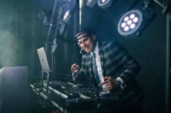 DJ Jerzman - Profesjonalne prowadzenie imprez i wesel, DJ na wesele Mordy