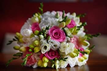 Bukiety ślubne, dekoracje kwiatowe sal , kościołów, aut., Kwiaciarnia, bukiety ślubne Przedecz