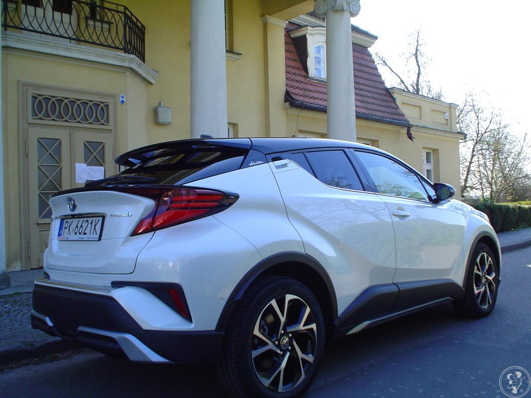 Auto, samochód do ślubu  Biało-czarna, perłowa Toyota C-HR, Kalisz - zdjęcie 1