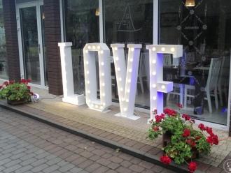 Napis LOVE - wynajem,  Janikowo