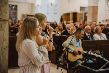 Zespół Przyjaciele, Oprawa muzyczna ślubu Prabuty