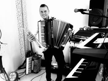 Adam Urbański MUSIC BAND, Zespoły weselne Nakło nad Notecią
