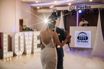 DJ NA WESELE / WODZIREJ - CIĘŻKI DYM - NAPISY LOVE - ZABAWY - DJ Porke, DJ na wesele Nowy Sącz