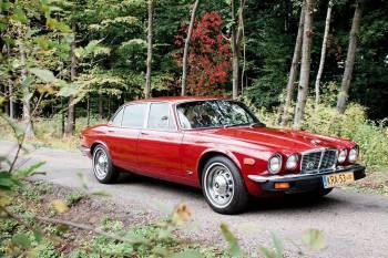 Czerwonym Jaguarem do Ślubu - Jaguar XJ6L 4.2 1977, Samochód, auto do ślubu, limuzyna Żabno