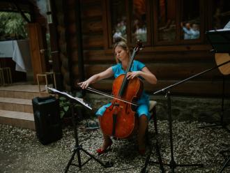 Rescello: śpiew, śpiew z organistą, śpiew z gitarą, gitara i wioloncze,  Rzeszów