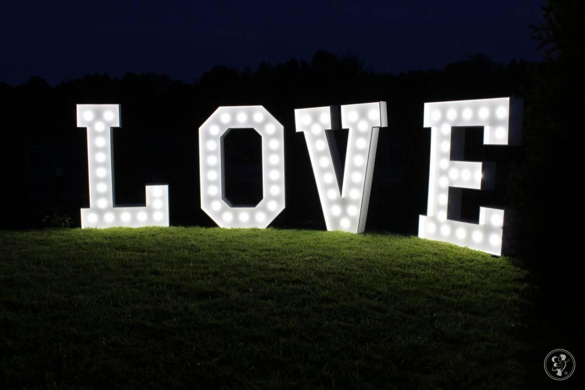 Podświetlany napis LOVE, Brzostek - zdjęcie 1