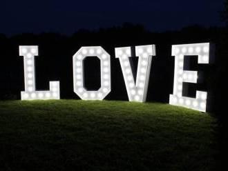 Podświetlany napis LOVE,  Brzostek