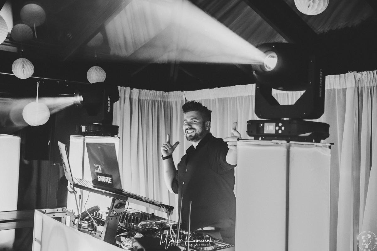 Konferansjer/ Wodzirej/ DJ Kokos (głos radiowy)-Agencja Imprezowa, Bolesławiec - zdjęcie 1
