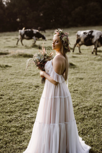 SALON SUKIEN ŚLUBNYCH WHITE Anna Gdowik, Salon sukien ślubnych Bystrzyca Kłodzka