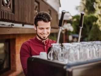 Mobilny bar kawowy do wynajęcia ! Wolne terminy !, Barista na wesele Bełchatów
