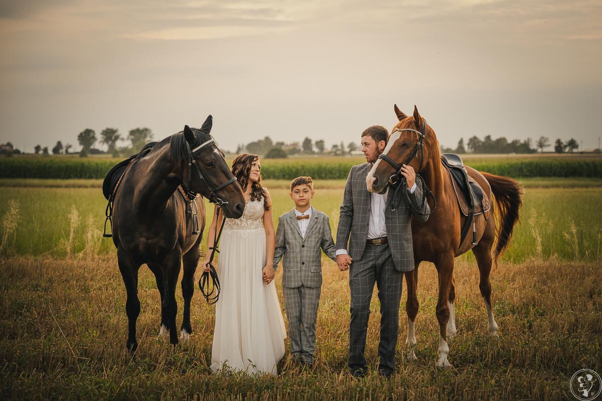Niezwykłe Fotografie - fot. Ślubna w Duecie   WOLNE TERMINY 2021/22, Wieluń - zdjęcie 1