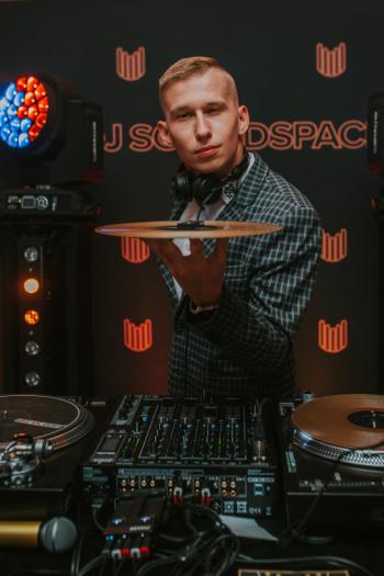 DJ Soundspace - DJ/Konferansjer w dobrym stylu!, DJ na wesele Piława Górna