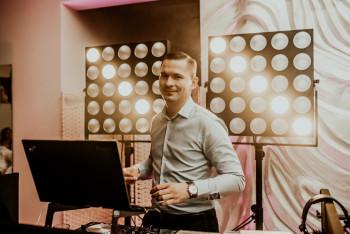 Krzysztof Michaluk Dj/Konferansjer- Prowadzenie przyjęć z pasją, DJ na wesele Śrem