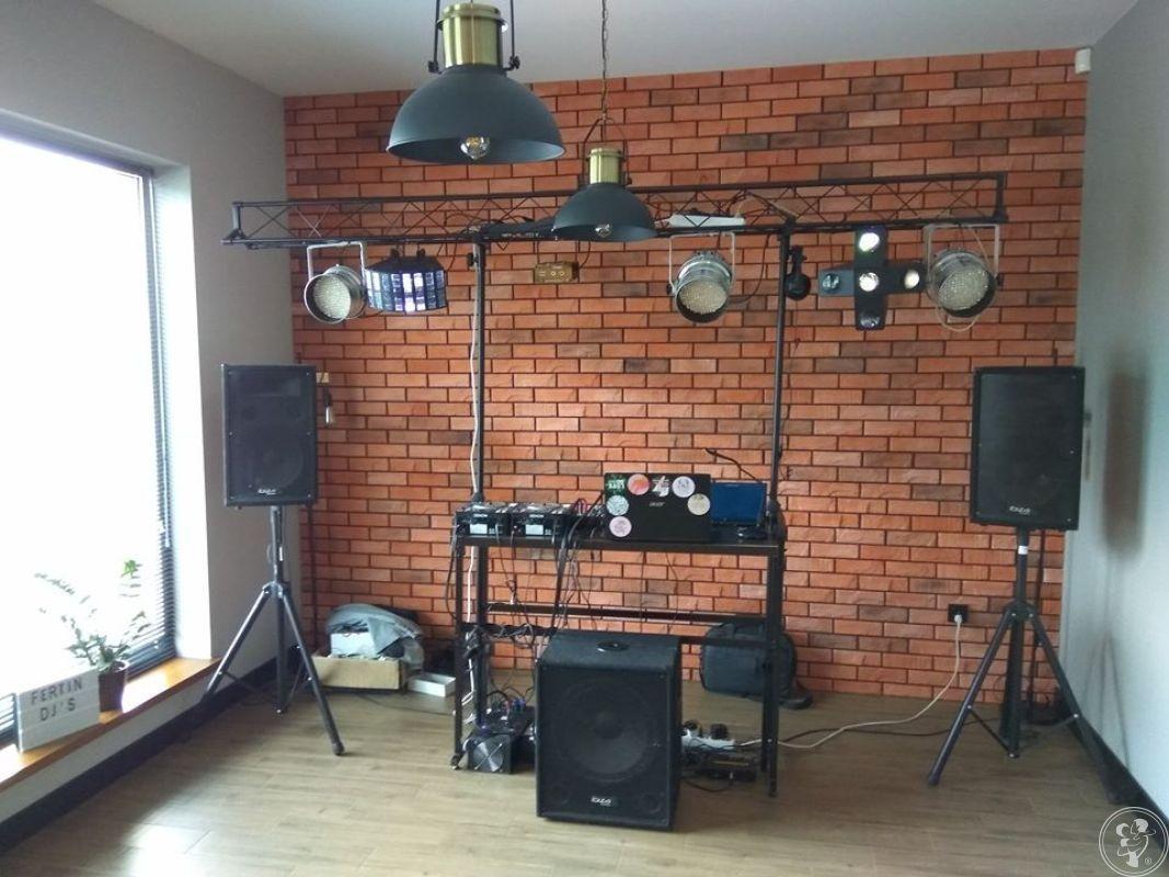 DJ Fertin + Wodzirej/Ciężki dym/Wytwornica baniek/Fontanna iskier, Rzeszów - zdjęcie 1