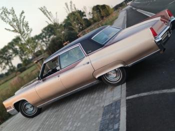 Cadillac Fleetwood i Lincoln Town Car 9 - osobowy, Samochód, auto do ślubu, limuzyna Piotrków Kujawski