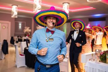 DJ wodzirej na wesele Service Party Cięzki dym fotobudka love, DJ na wesele Chełmek