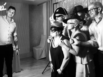 Fotobudka Foto Fred drewniane gadżety |Ciężki dym| Napis LOVE MIŁOŚĆ, Fotobudka, videobudka na wesele Kłobuck