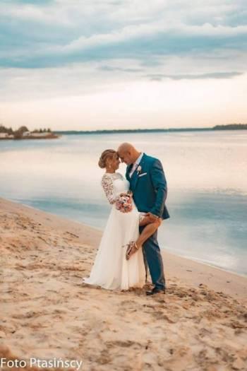 Pracownia Mody Ślubnej i Wieczorowej/ Komis SZYJEMY SUKNIE XXL+, Salon sukien ślubnych Zawiercie