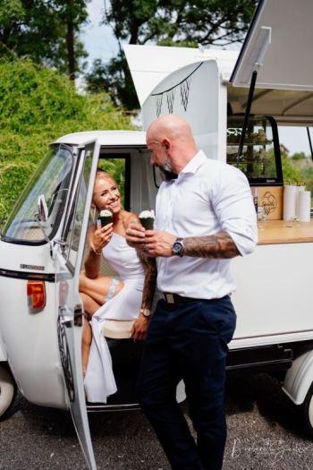 Lody na wesele z zabytkowego włoskiego Piaggio, Unikatowe atrakcje Czeladź