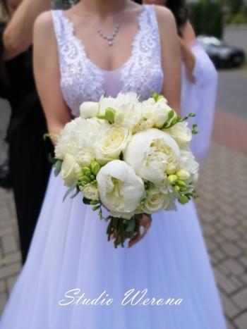 Werona Studio Florystyczne - bukiety ślubne, dekoracje sal i kościołów, Kwiaciarnia, bukiety ślubne Tarczyn