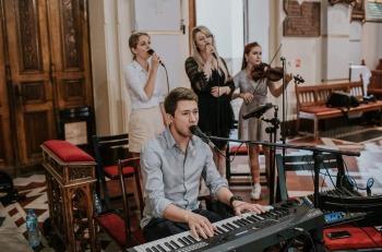 Zespół Zaplątani. - profesjonalne trio - 3 x wokal + piano/organy, Oprawa muzyczna ślubu Grodków
