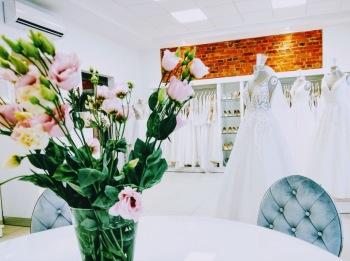 Bellavoi Salon Sukien Ślubnych, Salon sukien ślubnych Dolsk