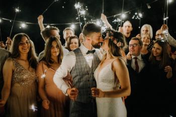 Rozweseleni - nowoczesne filmy ślubne | Love story, Kamerzysta na wesele Koziegłowy