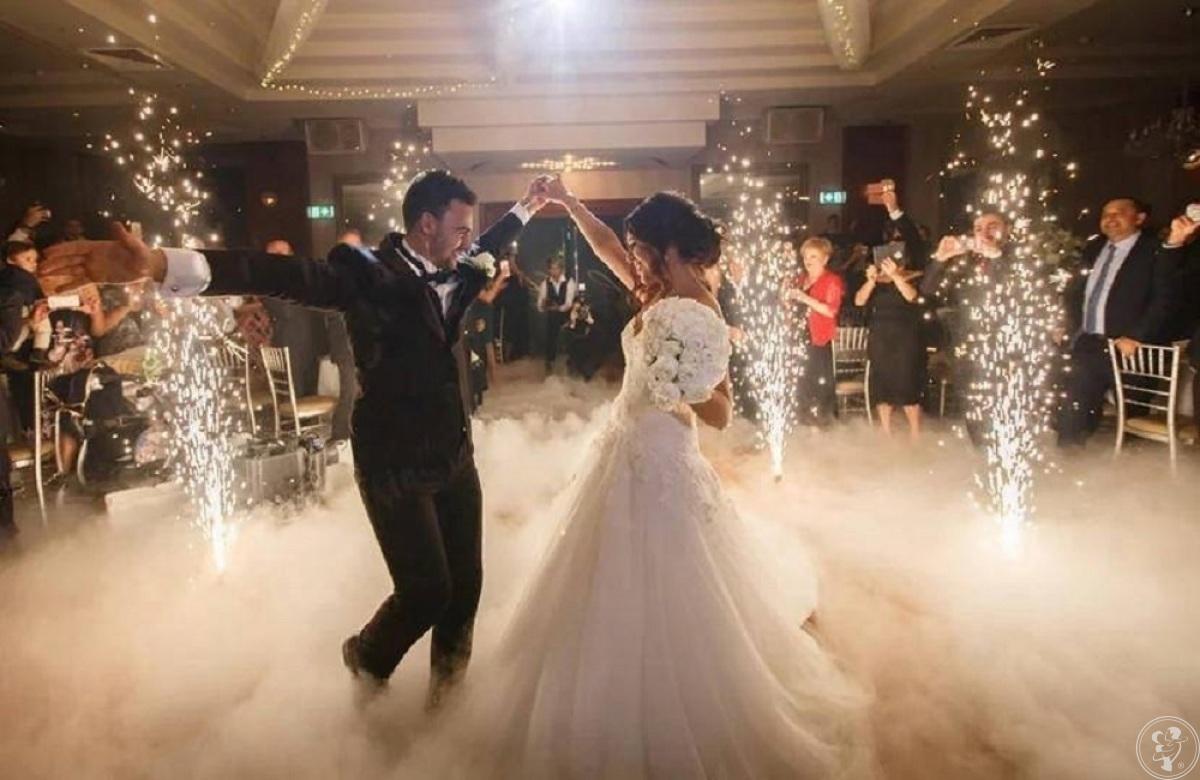 Taniec w chmurach, Ciężki DYM, NAPIS LOVE XXL , FOTOLUSTRO , CANDY BAR, Koziegłowy - zdjęcie 1