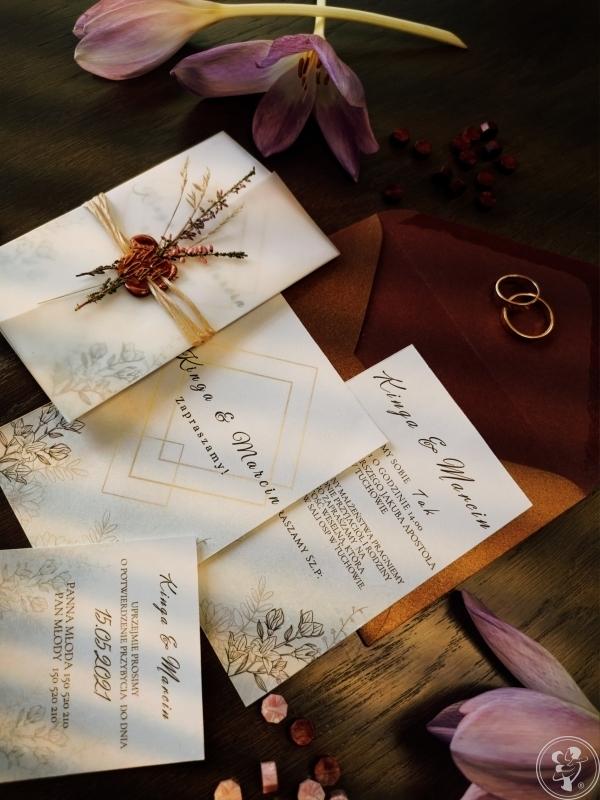 Lovely Little Invites - Zaproszenia Ślubne z Lakiem i Kwiatami, Tuchów - zdjęcie 1