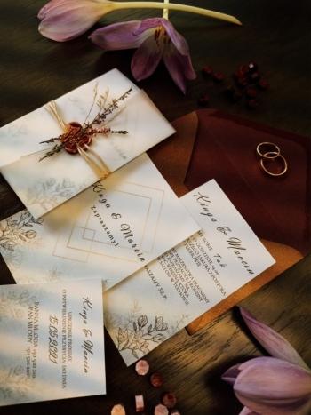 Lovely Little Invites - Zaproszenia Ślubne z Lakiem i Kwiatami, Zaproszenia ślubne Tuchów