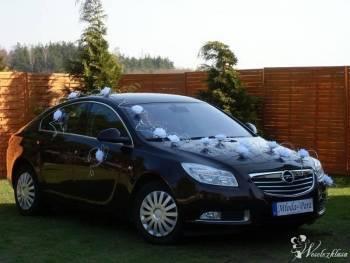 Czarny Opel Insignia przystrojony, Samochód, auto do ślubu, limuzyna Białystok