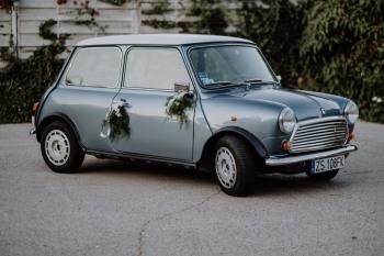 Odrestaurowane angielskie MINI do ślubu, Samochód, auto do ślubu, limuzyna Chojna