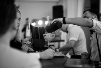 Niebanalni - Weselny Drink Bar, Barman na Wesele, Barman na wesele Pasym