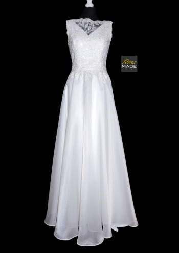 RosaMADE – szycie na miarę, Salon sukien ślubnych Marki
