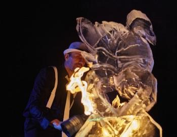Weselne rzeźby lodowe, bary lodowe, pokazy rzeźbienia na żywo ICE SHOW, Unikatowe atrakcje Inowrocław
