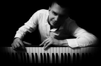 ORGANISTA  Oprawa muzyczna ślubu Dariusz Wychudzki PIANO ORGAN WOKAL, Oprawa muzyczna ślubu Ryn