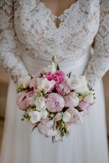 Białe Studio - dekoracje ślubne, papeteria, bukiety, wypożyczalnia