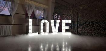 Dekoracja sali światłem, napis LOVE, ciężki dym WESELE 2021 Super Cena, Dekoracje światłem Proszowice