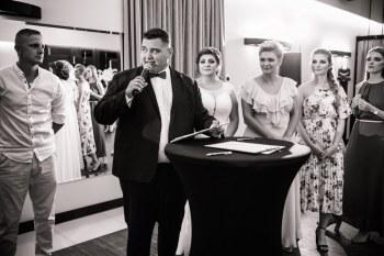 Krzysztof Kapusta DJ / Konferansjer - Świeże podejście do Wesel, DJ na wesele Sułkowice