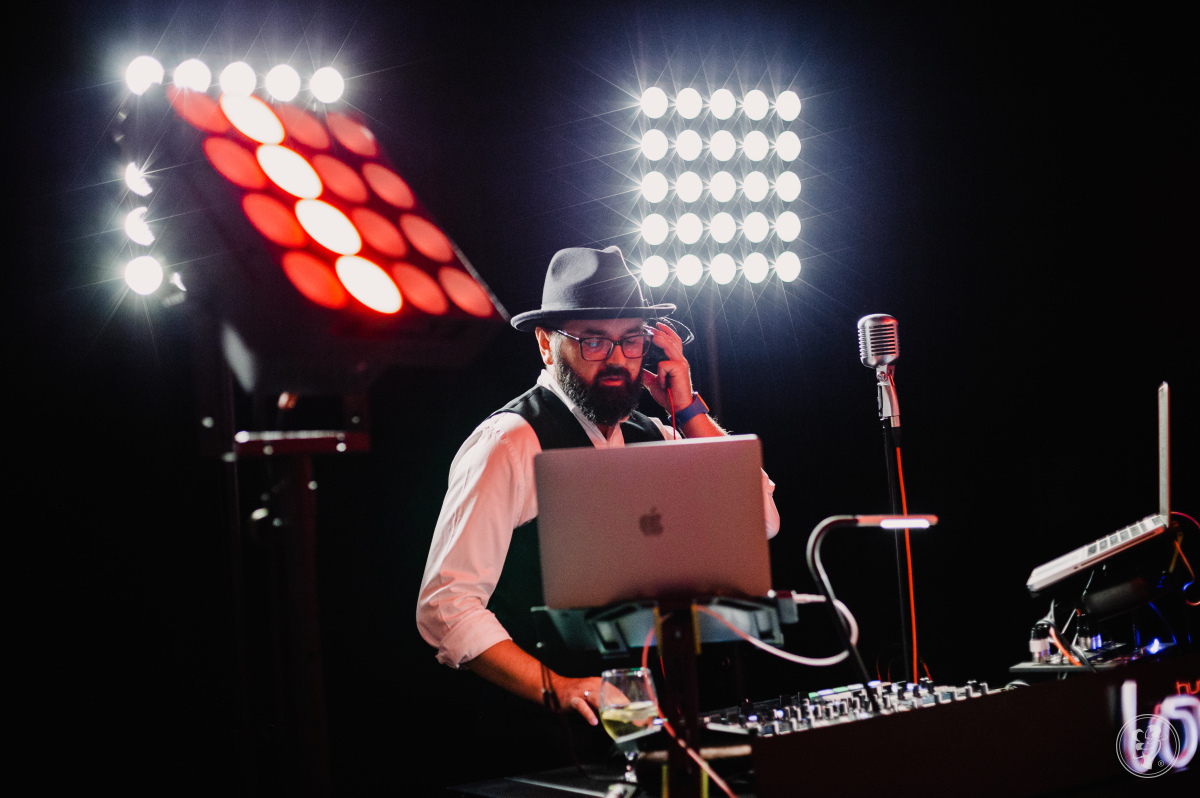DJ nova-Q na wesele polskie i międzynarodowe (ENG/GER/FR/IT/ESP/RUS), Katowice - zdjęcie 1