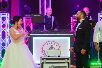 DJ  D.R.S  Wedding  Events  Group  ciężki dym ,iskry sceniczne, DJ na wesele Szczucin